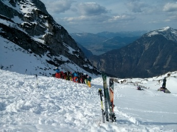 Simulated avalanche exercise, incl. an organised probe line